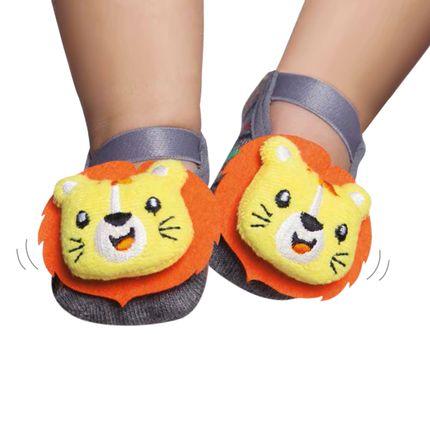 PK6957-LE-meia-sapatilha-com-aplique-de-chocalho-para-bebe-puket
