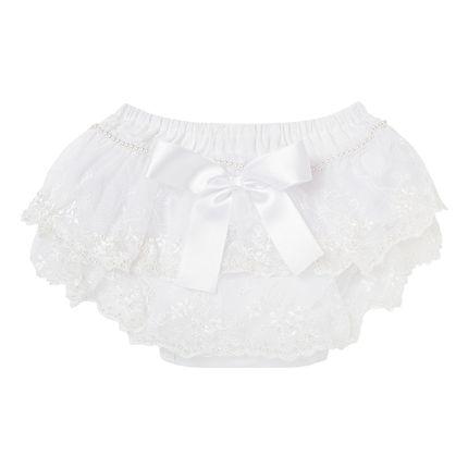 05315005001_A-moda-bebe-menina-calcinha-bumbum-em-tricoline-branca-renda-perolas-e-laco-roana-no-bebefacil-loja-de-roupas-enxoval-e-acessorios-para-bebes