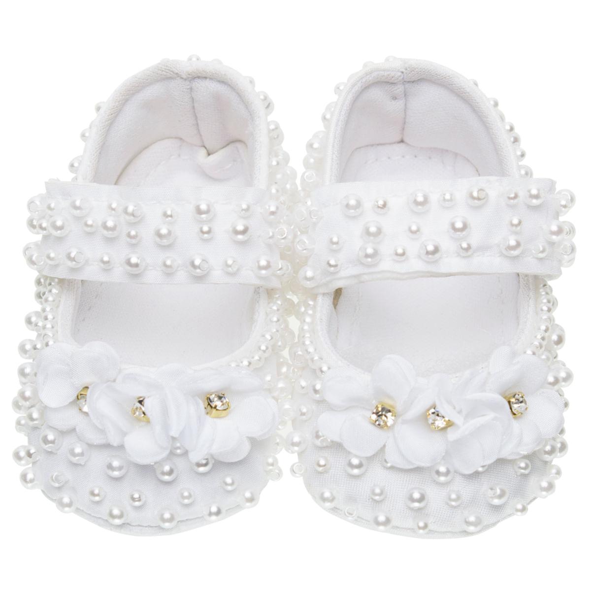 c20e984a4 Sapatilha para bebe em cetim Pérolas & Flor Branca - Roana - bebefacil