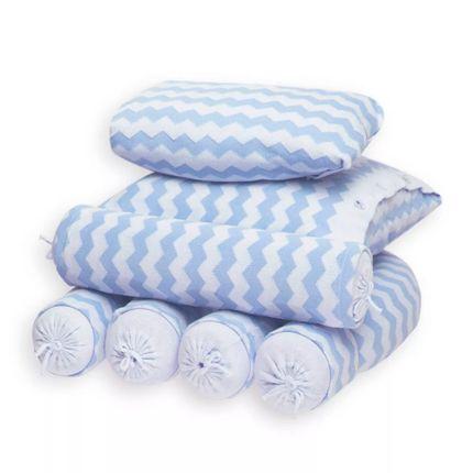 Kit-berco-chevron-azul_enxoval-e-maternidade-rolinho-de-cabeceira-laterais-almofadas-para-berco-chevron-azul-Petit-no-Bebefacil-loja-de-roupas-e-enxoval-para-bebes