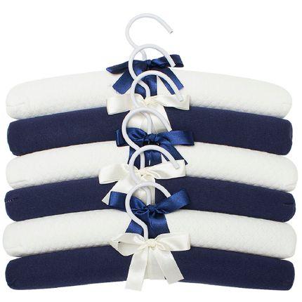 E10106_A-enxoval-e-maternidade-bebe-menino-kit-6-cabides-matelasse-brancomarinho-hug-no-bebefacil-loja-de-roupas-enxoval-e-acessorios-para-bebes