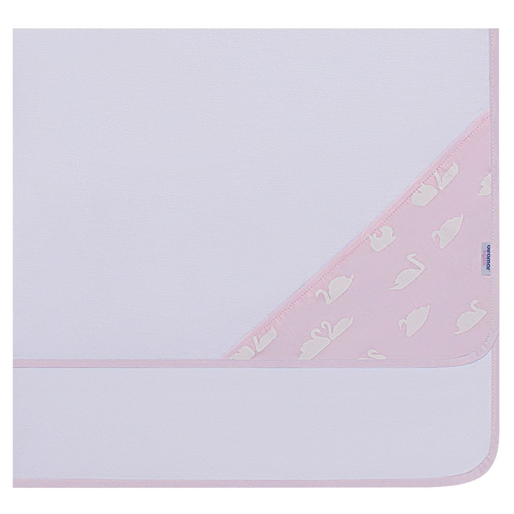 33785-2845_A-enxoval-maternidade-bebe-menina-cueiro-cisne-rosa-biramar-baby-no-bebefacil-loja-de-roupas-enxoval-e-acessorios-para-bebes