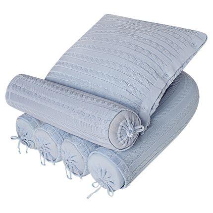 RLTG-RCTP-ALTQ4281_A-enxoval-e-maternidade-bebe-menino-kit-rolinho-lateral-cabeceira-almofada-quadrada-tricot-trancado-azul-petit-by-la-baby-no-bebefacil-loja-de-roupas-enxoval-e-acessorios