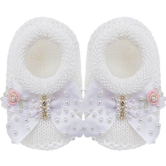01429005001_A-sapatinhos-bebe-menina-sapatinho-laco-mini-perolas-e-flor-branco-roana-no-bebefacil-loja-de-roupas-enxoval-e-acessorios-para-bebes