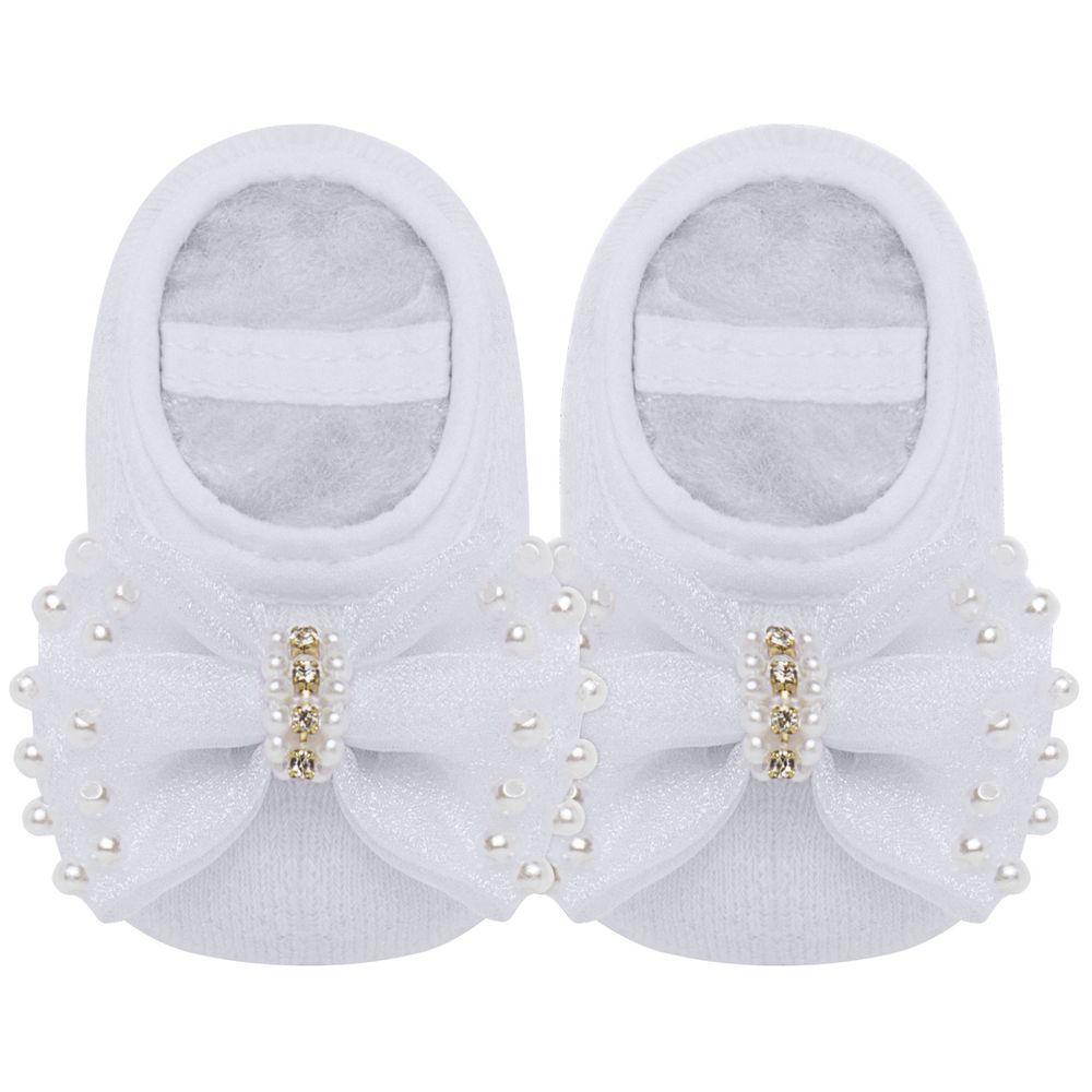09119013001_A-sapatinhos-bebe-menina-sapatilha-meia-laco-perolas-e-strass-branca-roana-no-bebefacil-loja-de-roupas-enxoval-e-acessorios-para-bebes